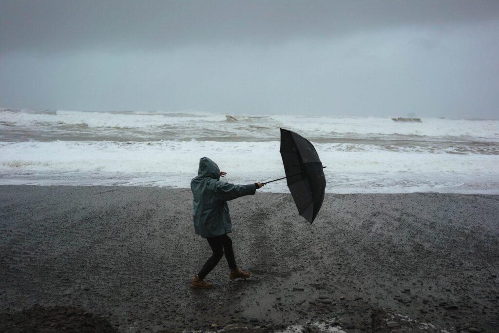 Skærm dig mod regnen med den klimavenlige ÖkoBrella-paraply